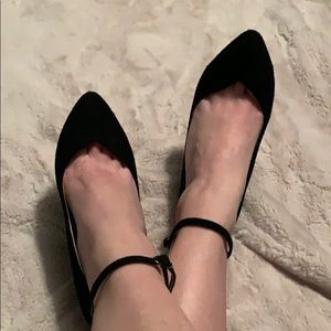 Aldo ankle tie chunky heel that slims to a point